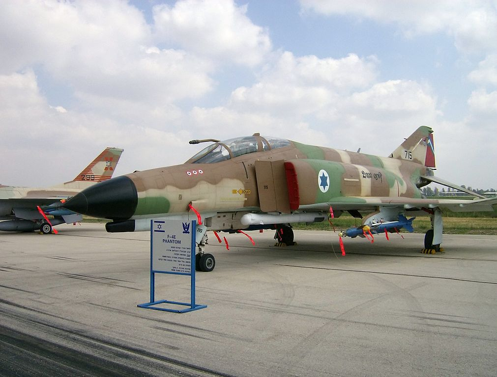 The day Israeli F-4Es shot down 14 Egyptian Mi-8 helicopters (one by using their afterburner)