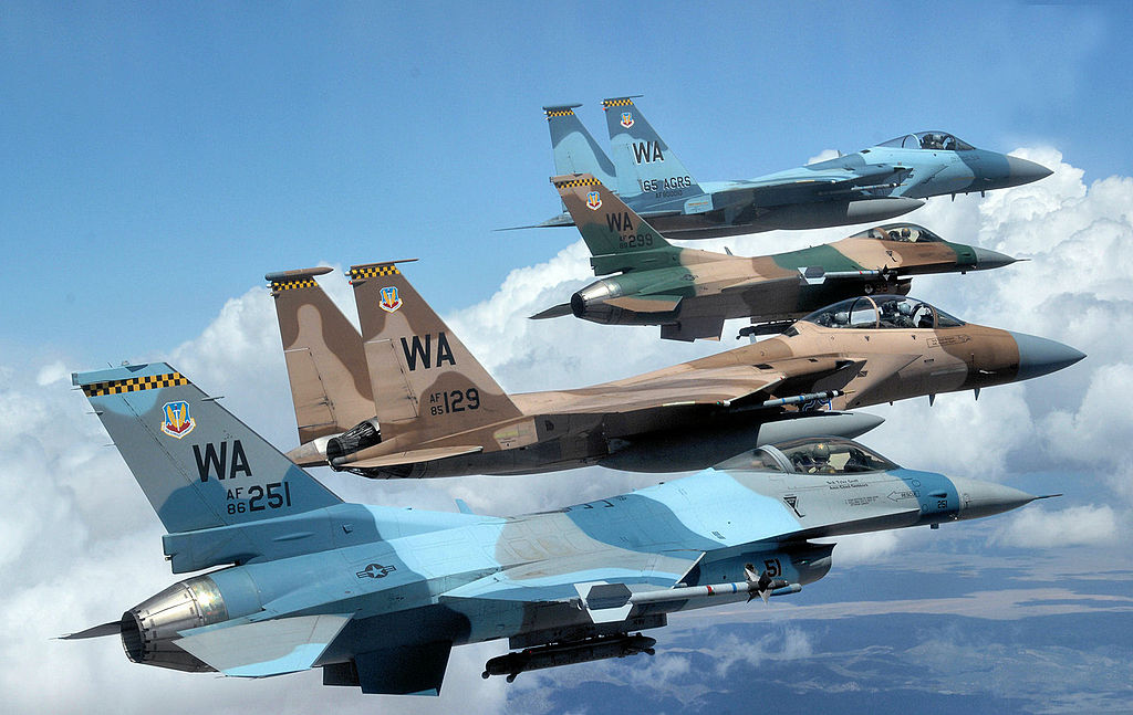 F-16 Pilots Explain how the Viper Dogfights and Wins Against Dissimilar Aircraft