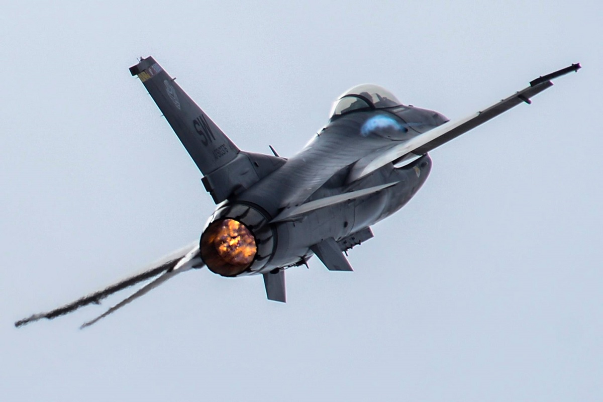 air force f 16 falcon with Usaf To Extend F 16 Operational Life To 2048 And Beyondutm Mediumsocialutm C Aignagcutm Sourcetheaviationgeekclub on F16b fb01 10years f16 1989 in addition File F 16Cs 148th FW at Hickam AFB 2010 furthermore Lockheed Martin F 16 Falcon 995 israel Israeli Air Force 171422 large besides 0 7340 L 4625569 00 additionally Lockheed martin f 16c norwegian tiger 2.