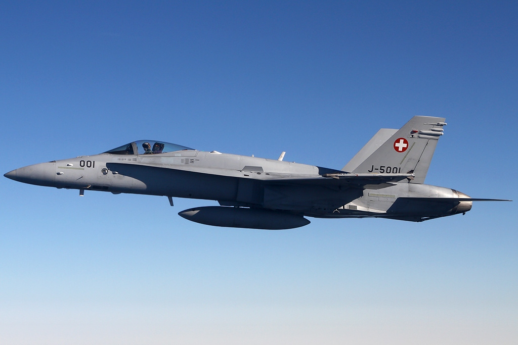 U.S. Navy to help Swiss Air Force investigate 2015 F/A-18D Crash