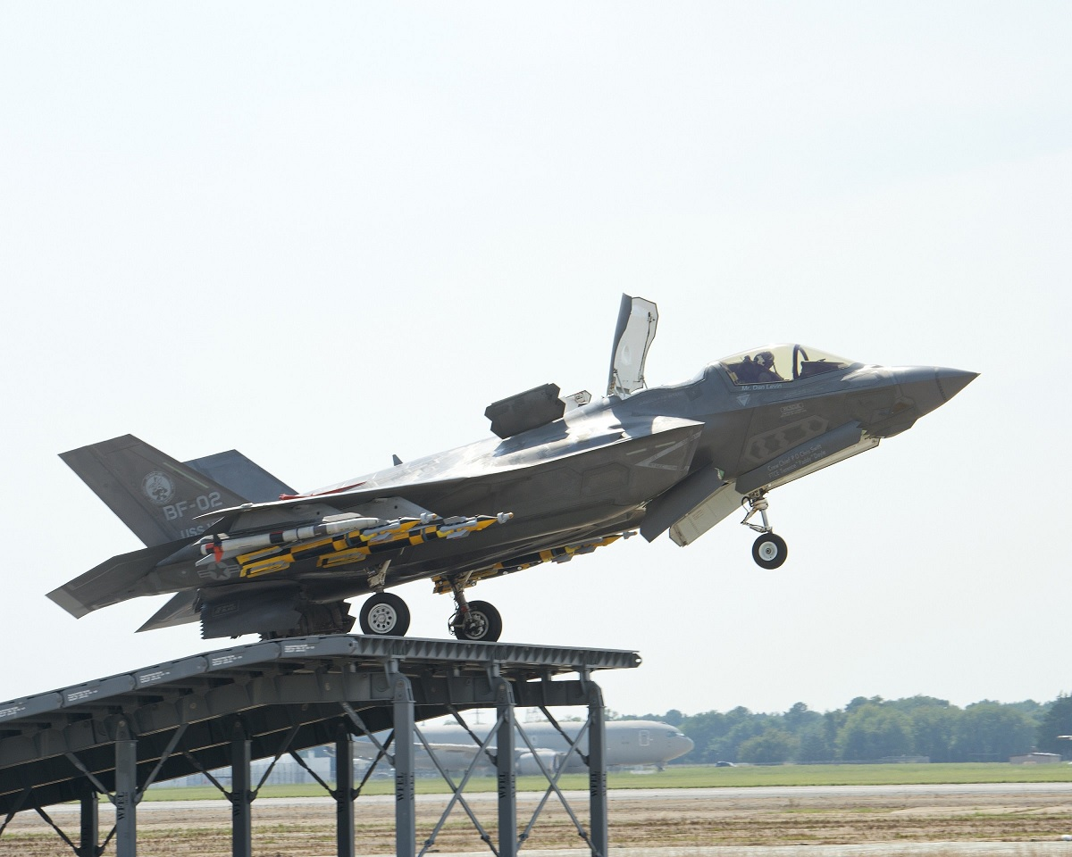 UK's F-35B completes ski-ramp trials and is now cleared for takeoff from HMS Queen Elizabeth aircraft carrier