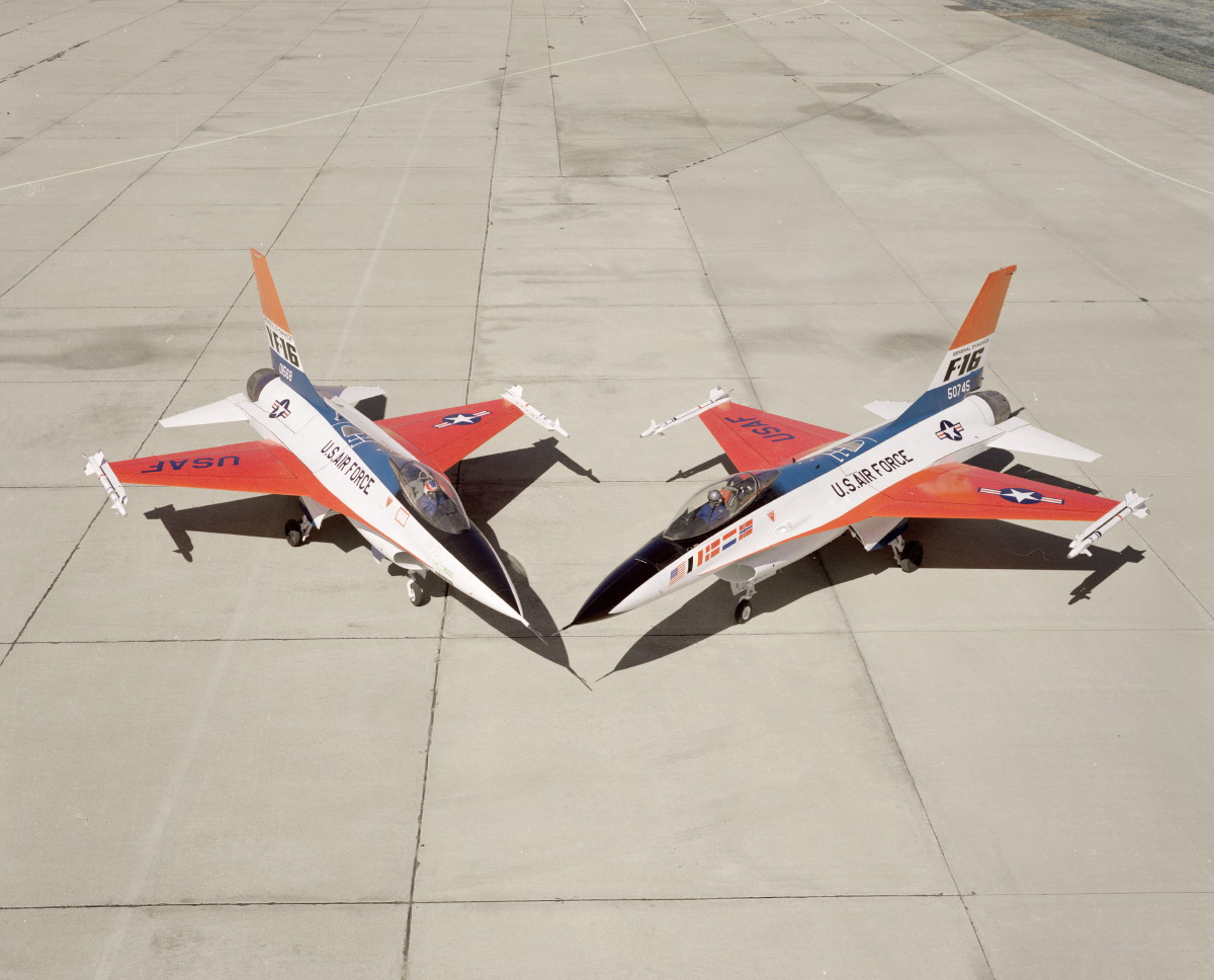 A quick look at the YF-16 test program and at the USAF decision to buy the lightweight fighter