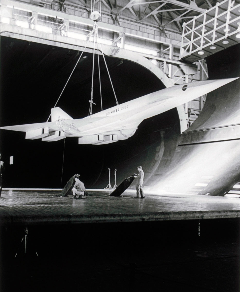 Some photos of L-2000, the Lockheed Mach 3 airliner that never was
