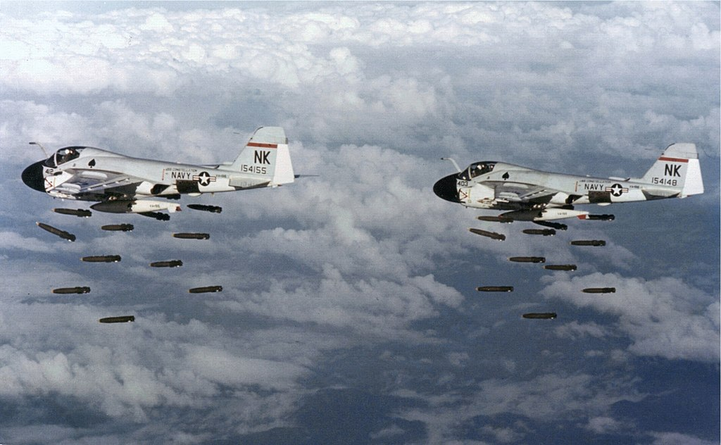 When the iconic A-6 flew to Hollywood: behind the scenes of Flight of the Intruder movie