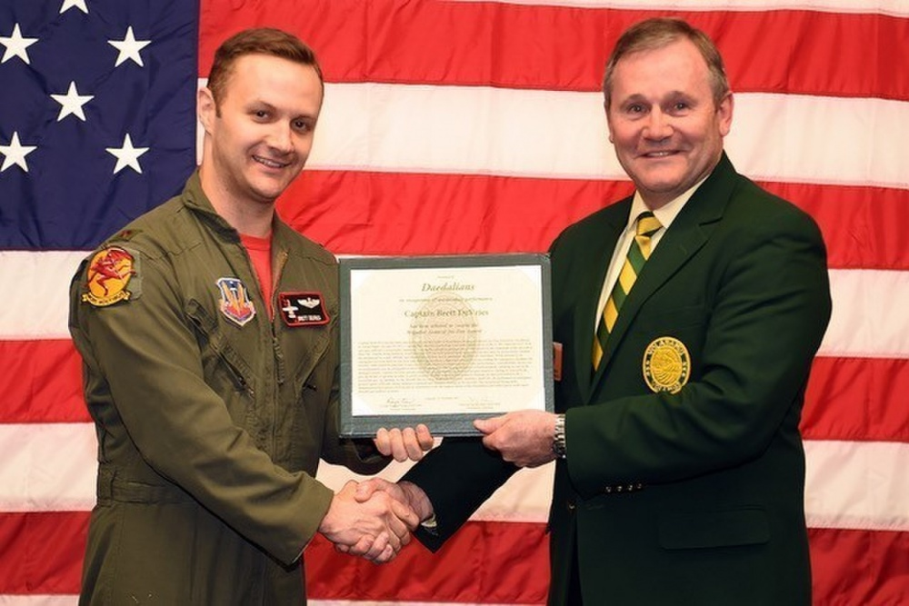 A-10 pilot who landed his Hog gear up has been awarded Joe Foss Award for Excellence