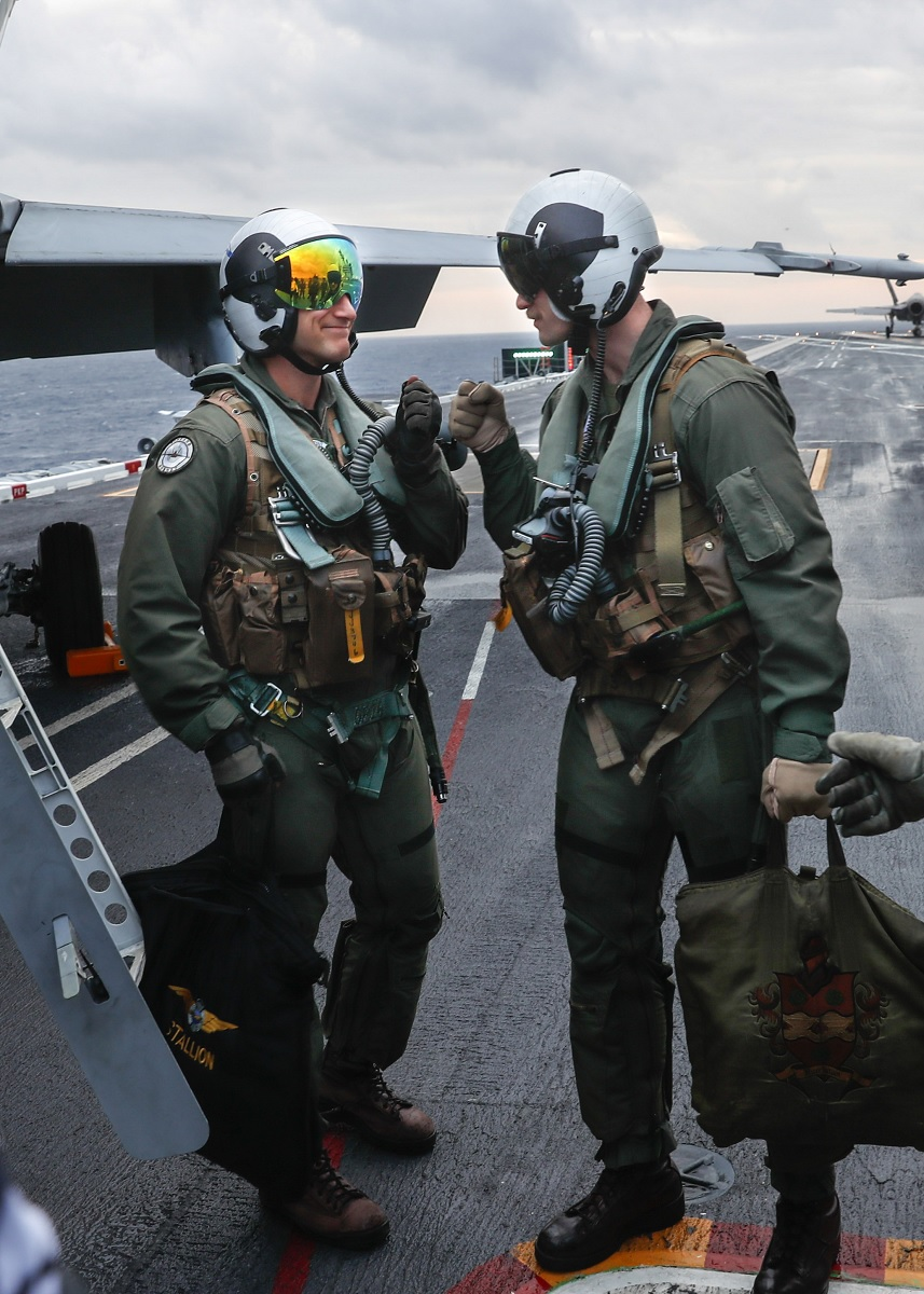 Finnish Air Force pilot traps F/A-18C Hornet on an aircraft carrier for the first time