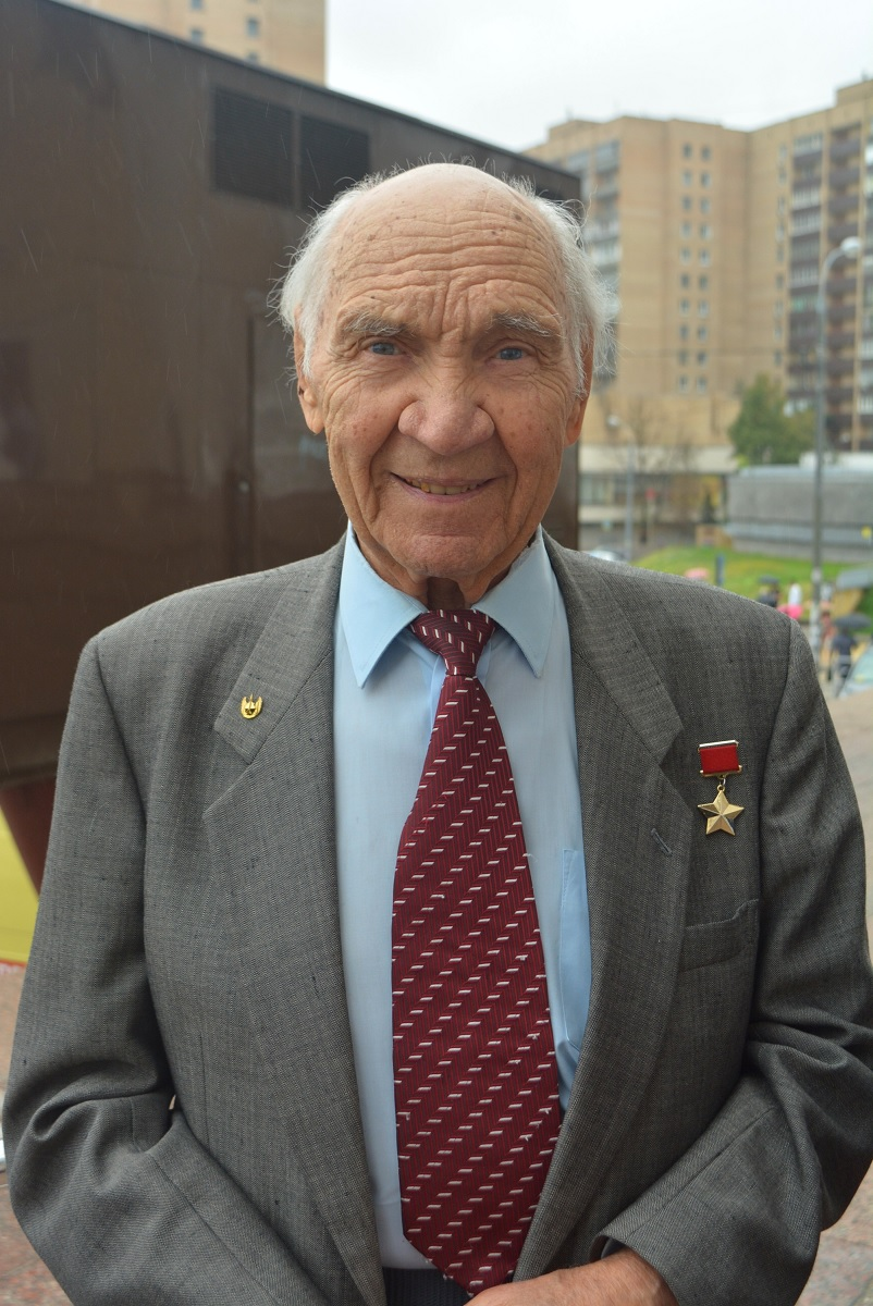 Legendary Soviet test pilot Georgy Mosolov has passed away. He had been the first to fly the MiG-21.