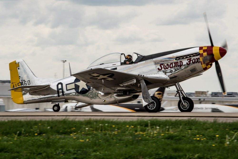 Piggybacks! USAAF P-51 Mustang pilots explain how they were able to shoot down a flight of Mistel combinations over Germany