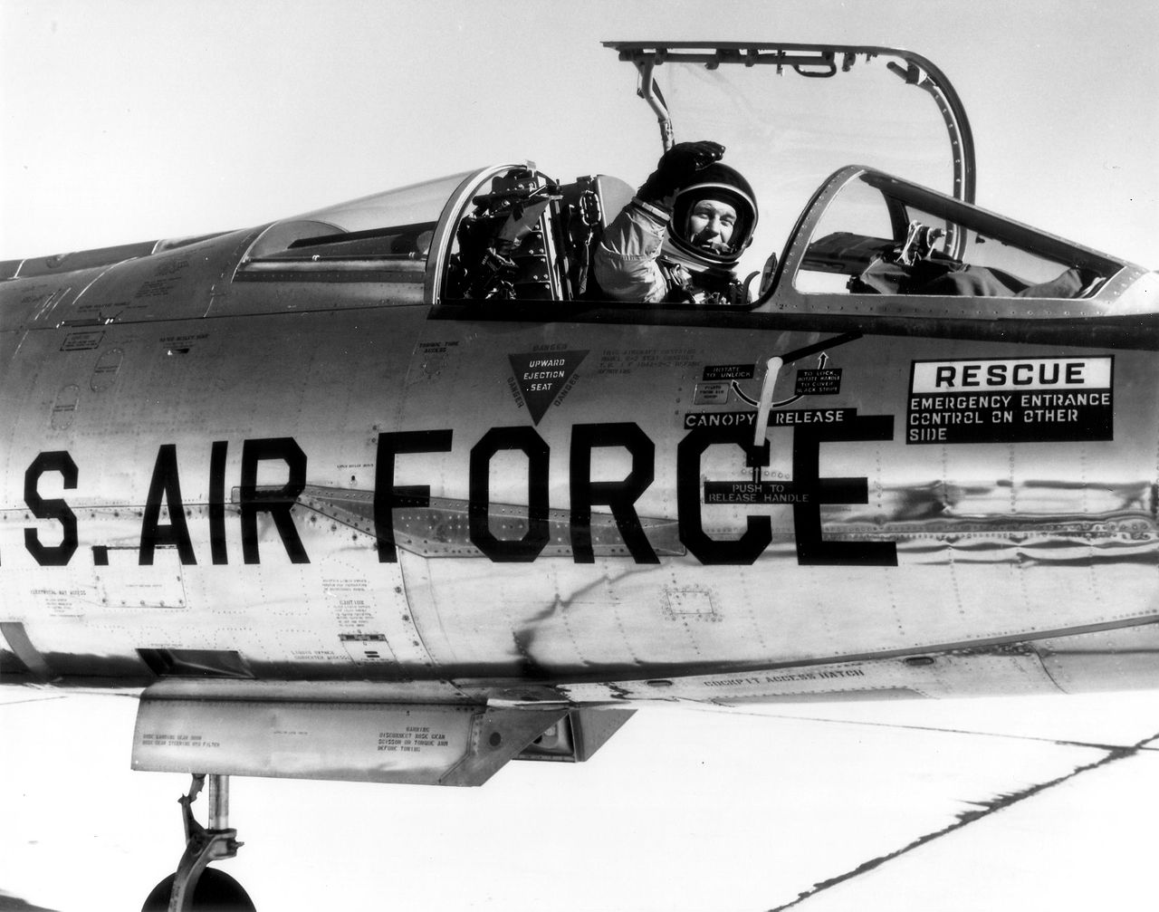The Story Behind the Famous Sequence of The Right Stuff Movie featuring Chuck Yeager's NF-104 Ejection