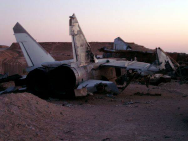 Here are some tips for building an accurate model of an Iraqi MiG-25 Foxbat