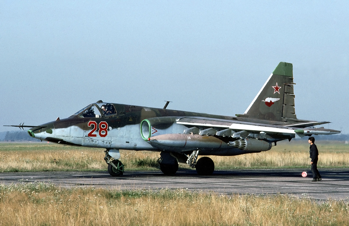 That time a Russian Su-25 attack aircraft nearly collided with a USAF F-22 stealth fighter (and the other close calls between Russian and NATO aircraft over Syria)