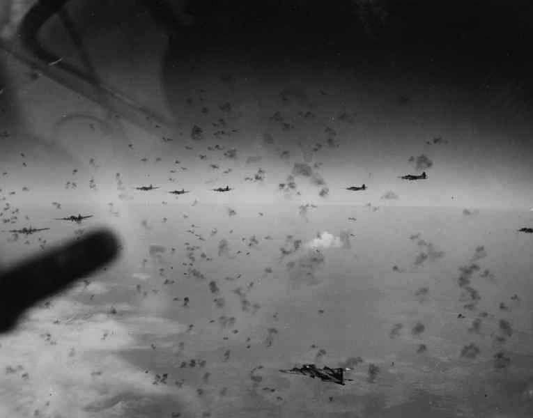 Norden Bombsight, Formation Bombing and Lead Crews: How American B-17 Bombers Hoped to Achieve Air Superiority during Long-Range Daylight Precision Bombings over Germany