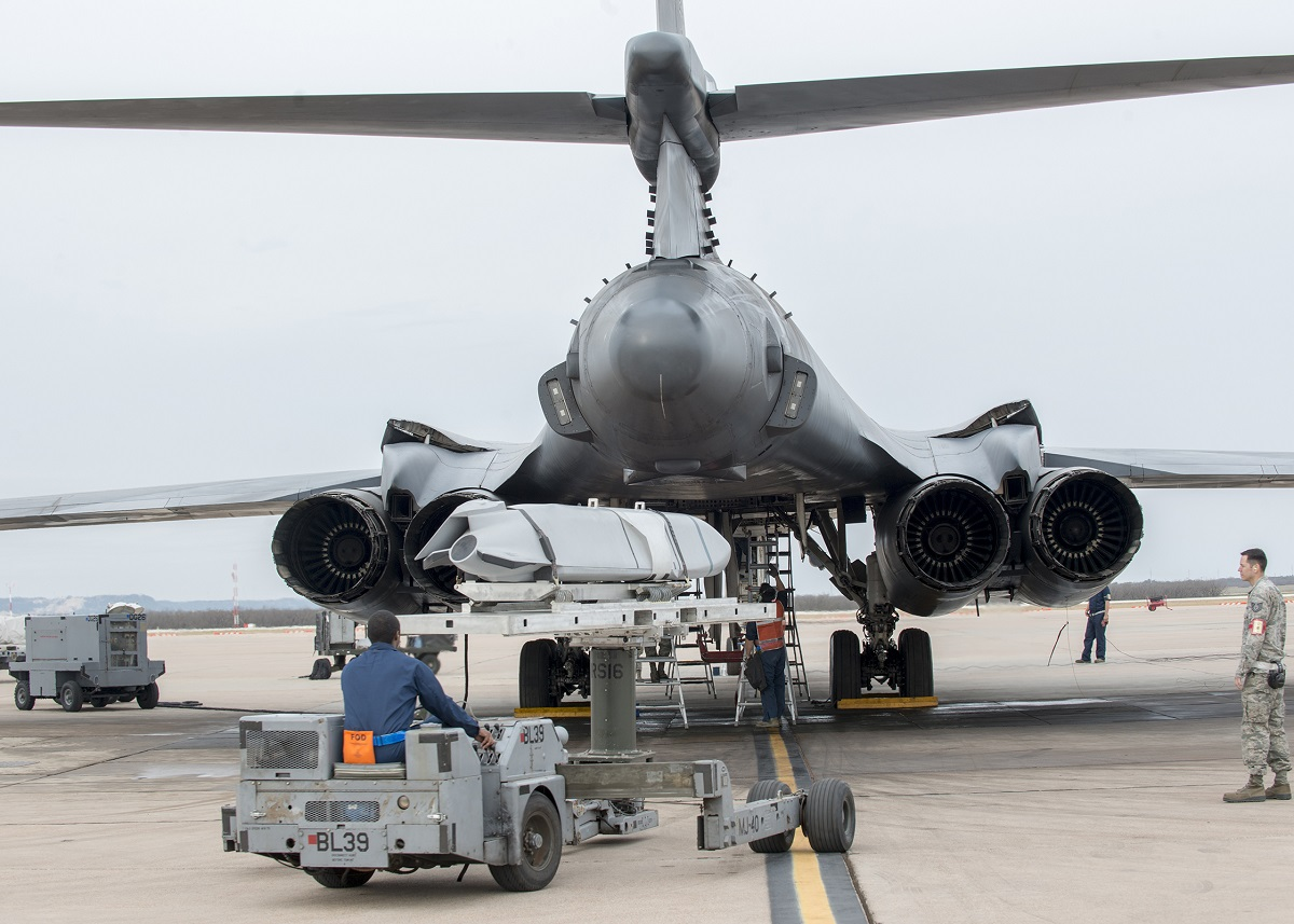 The Sad Story of the B-1B Weapons Crew who was crushed between Lancer's Bomb Bay Doors (Luckily, he survived the incident)