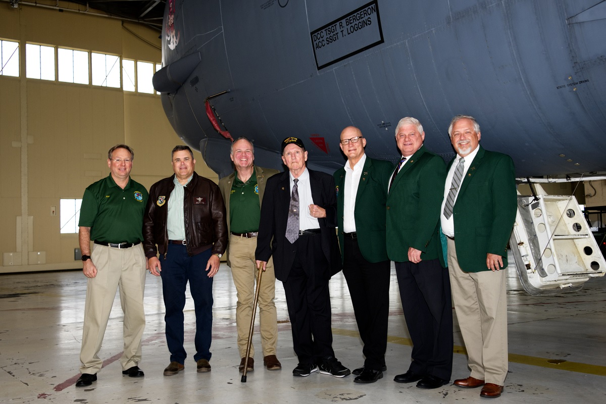 B-52 Crew Members who Took Part in Operation Secret Squirrel Meet at Barksdale to Celebrate 29th Anniversary of the Event