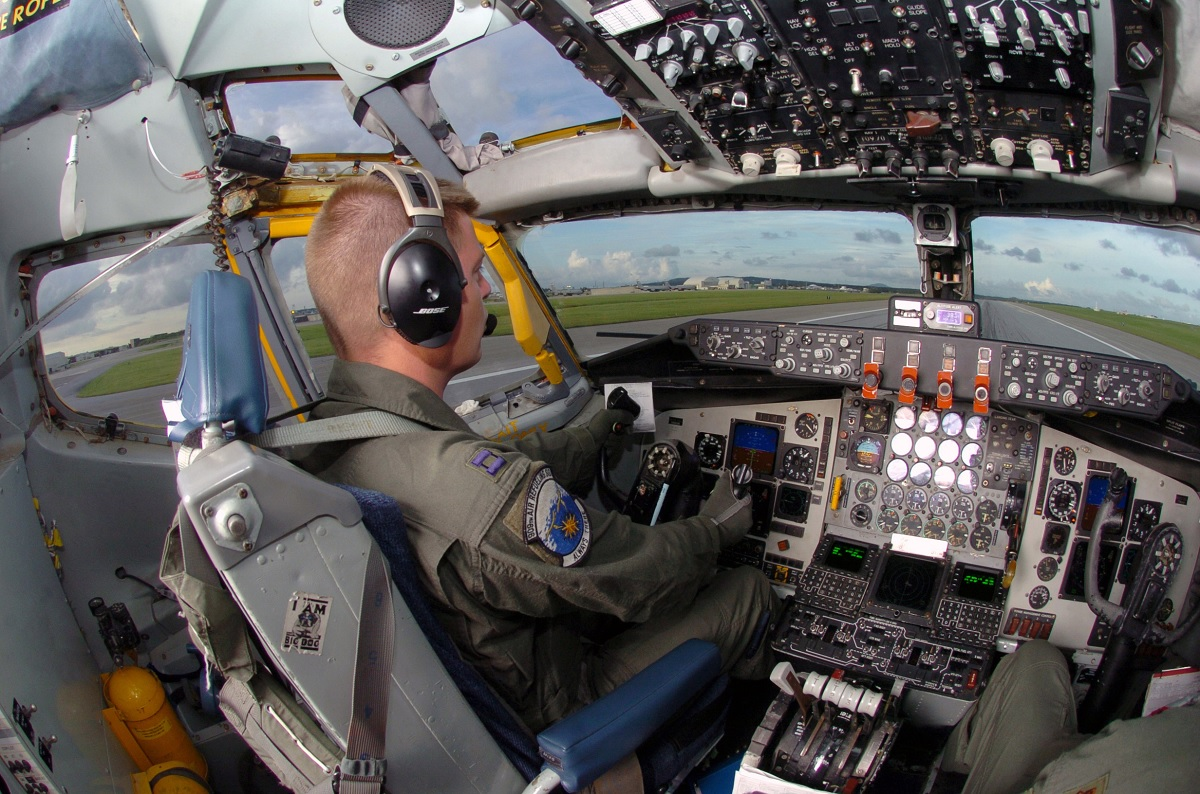 The Incredible story of the KC-135 crew Who Recovered a Stratotanker that had been on Fire Under the Floor while Flying 200+ miles west of Hawaii