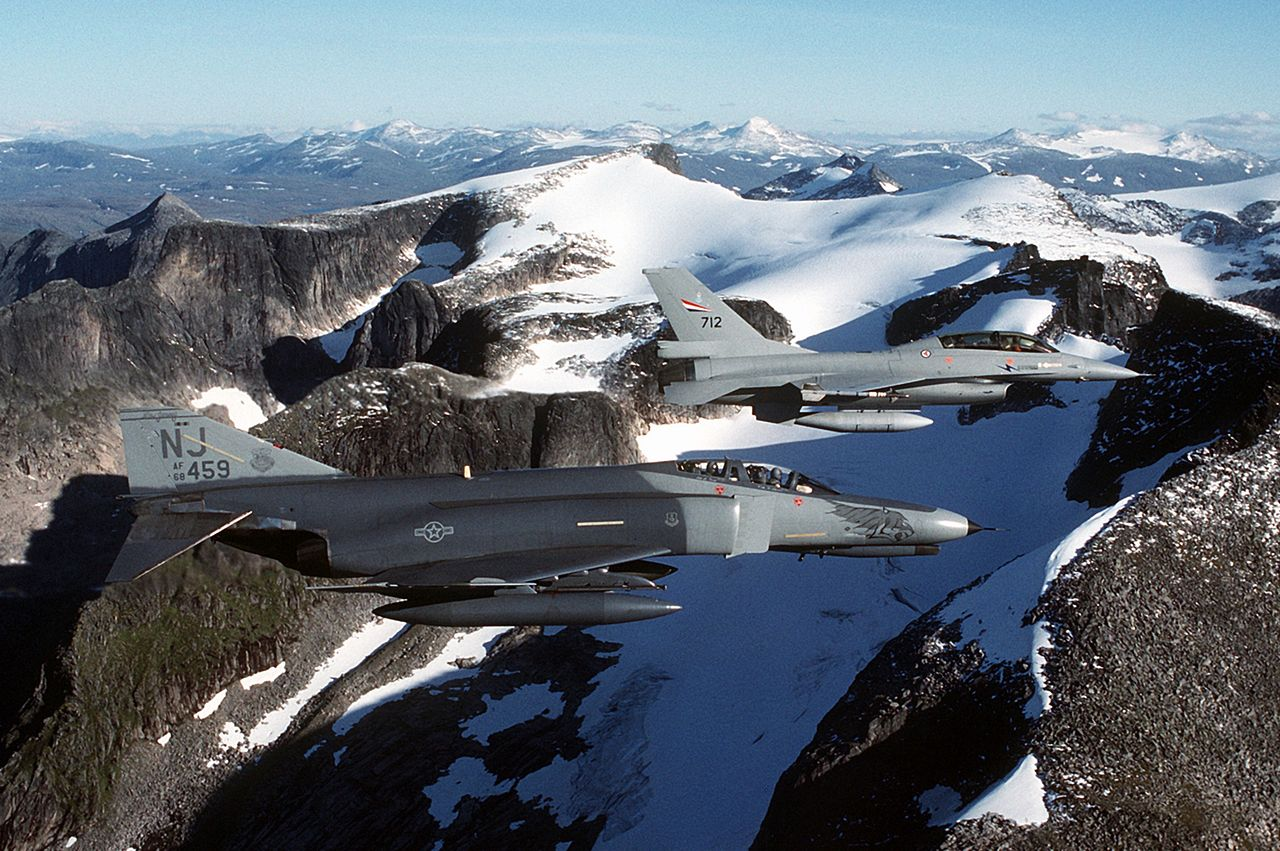 That time a RNoAF F-16 rushed specialised medical equipment halfway across Norway in 25 minutes and saved a critically ill patient's life