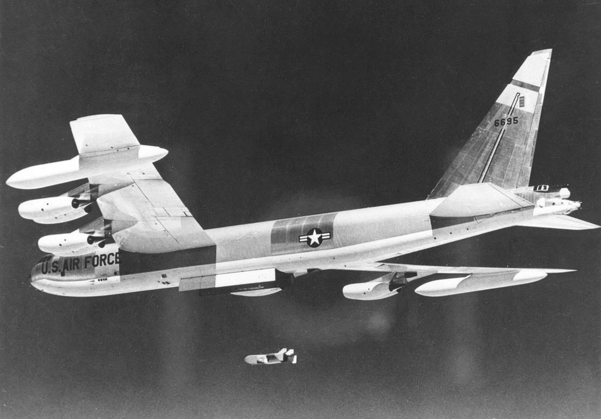 US Military Analyst Explains why B-52 Bombers would have had no trouble getting through Soviet air defenses to their targets during the Cold War