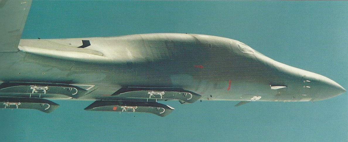 USAF wants a squadron of modified B-1B bombers that can carry the AGM-183 hypersonic missile on external hardpoints