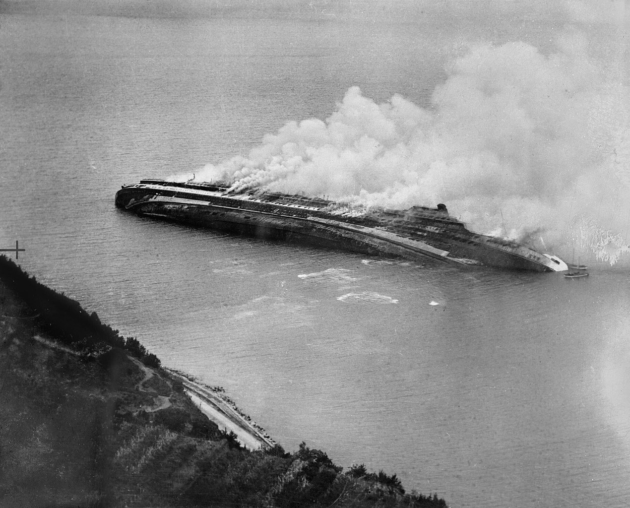 The night RAF Wellington bombers strafed Italian ocean liners (used as troop ships to North Africa) Rex and Conte di Savoia