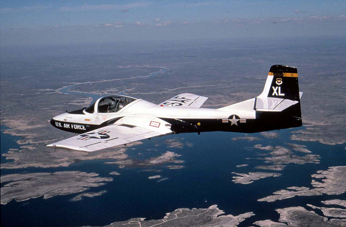 Retired USAF Pilot explains how you can retain consciousness during G-LOC blackout