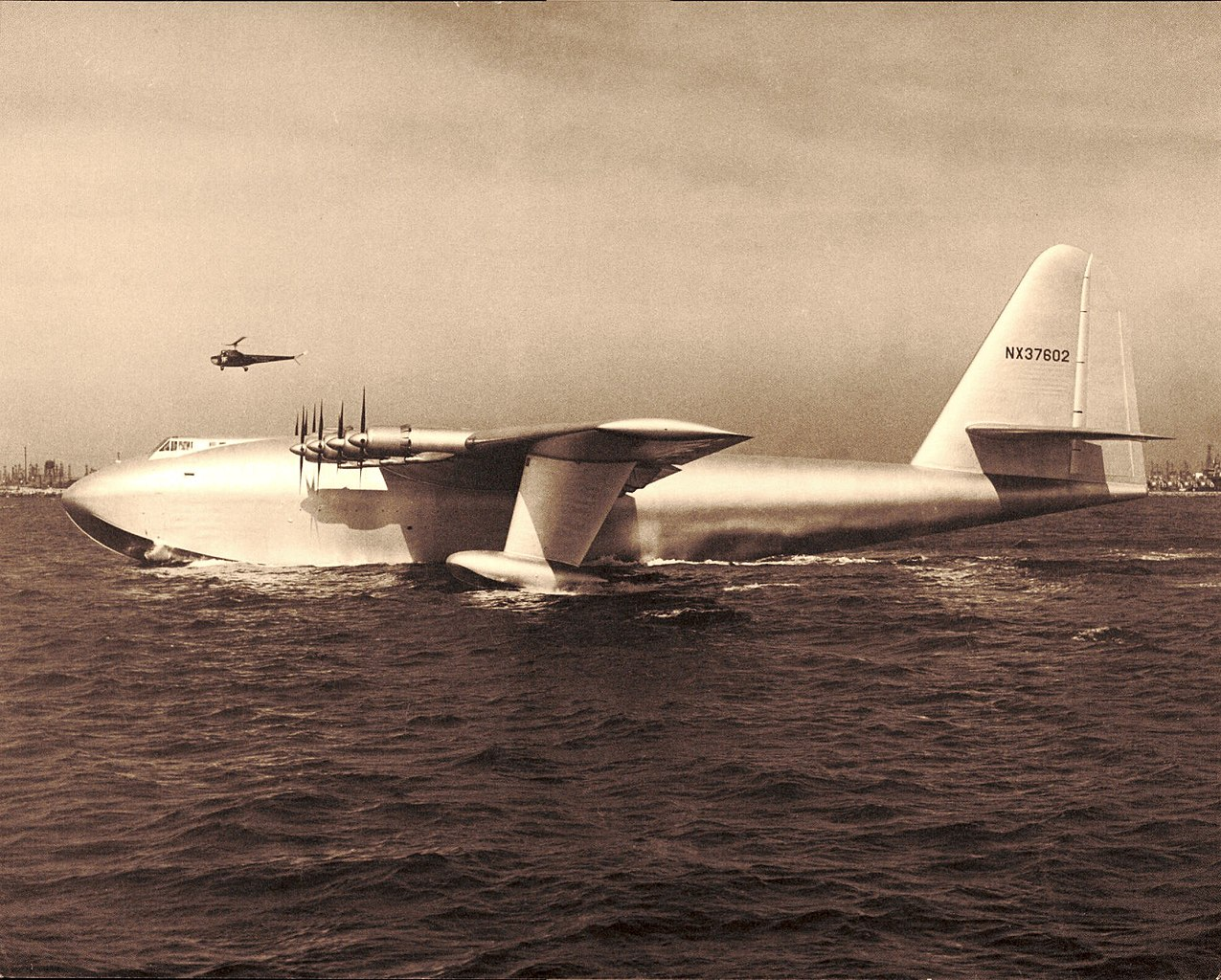 Here's why Howard Hughes' Spruce Goose couldn't be an effective troop transport