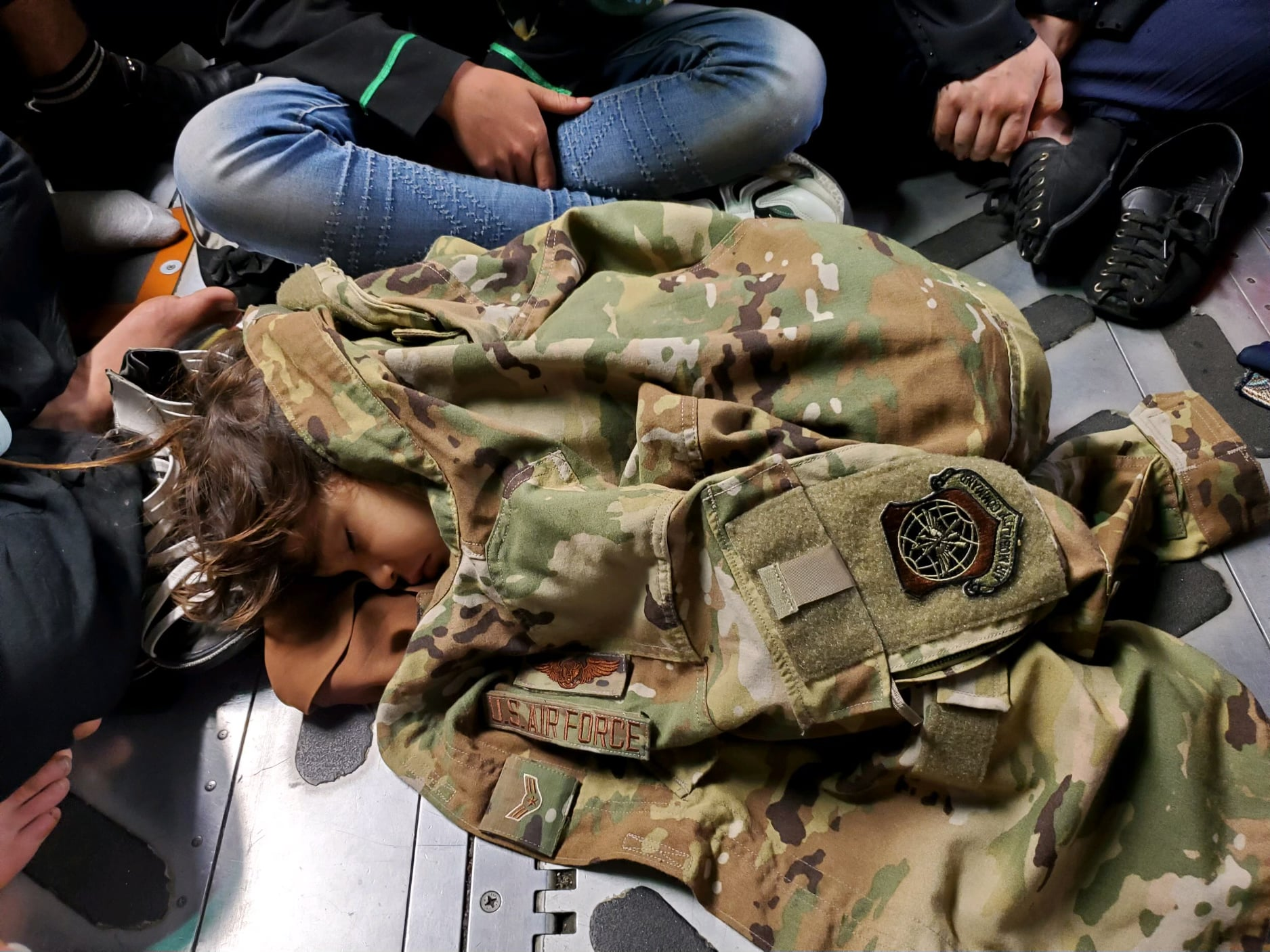 """Correction: USAF C-17 Reach 871 safely evacuated 823 (not """"only"""" 640) Afghan citizens from Kabul. 183 children were also aboard."""