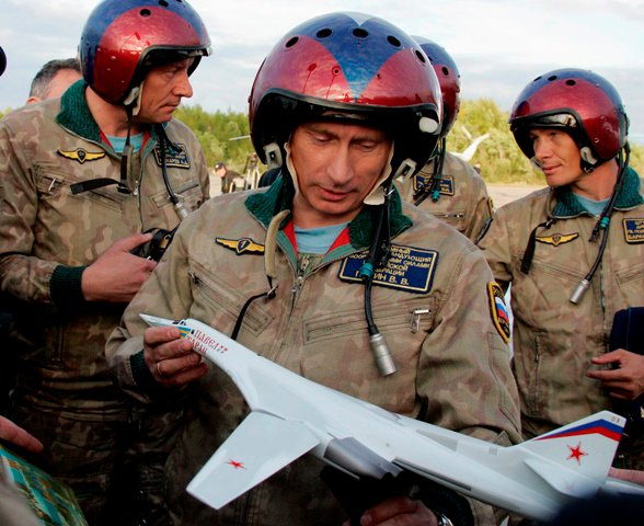 The story of Russian President Vladimir Putin ride in a Tupolev Tu-160 Blackjack during a tactical exercise involving the launch of Kh-555 cruise missiles