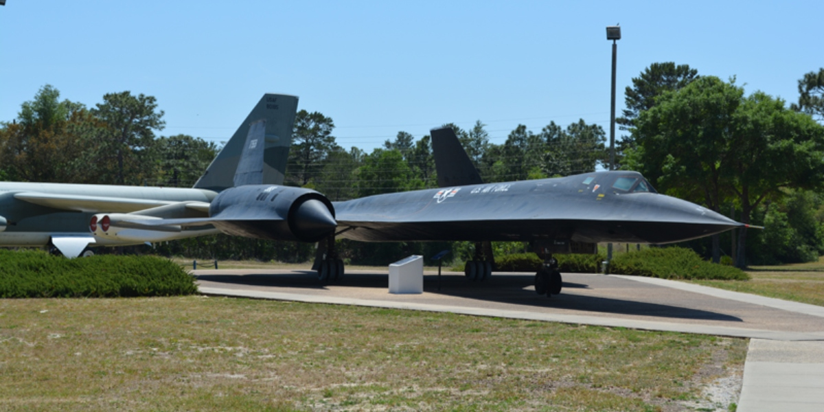 """The story of SR-71A #61-7959, the only """"Big Tail"""" Blackbird in existence"""