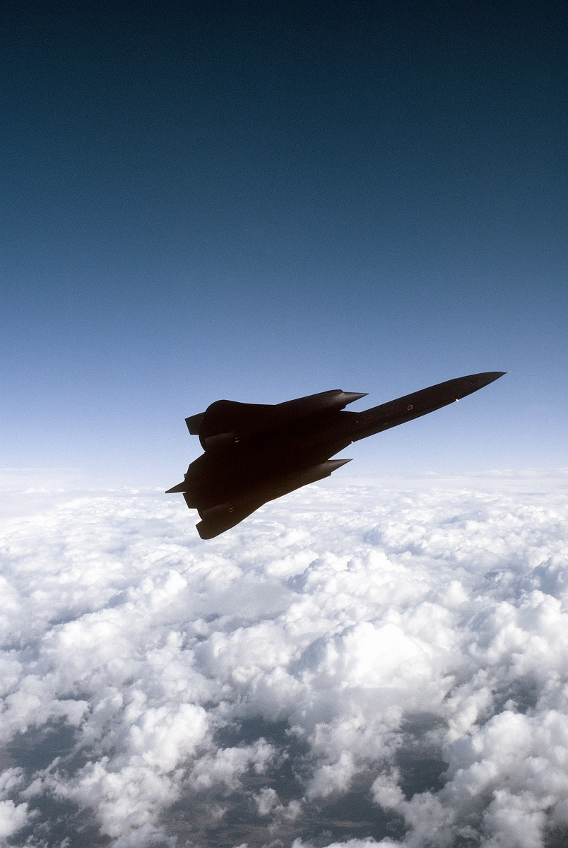 The story behind this famed SR-71 Blackbird's super low flyby