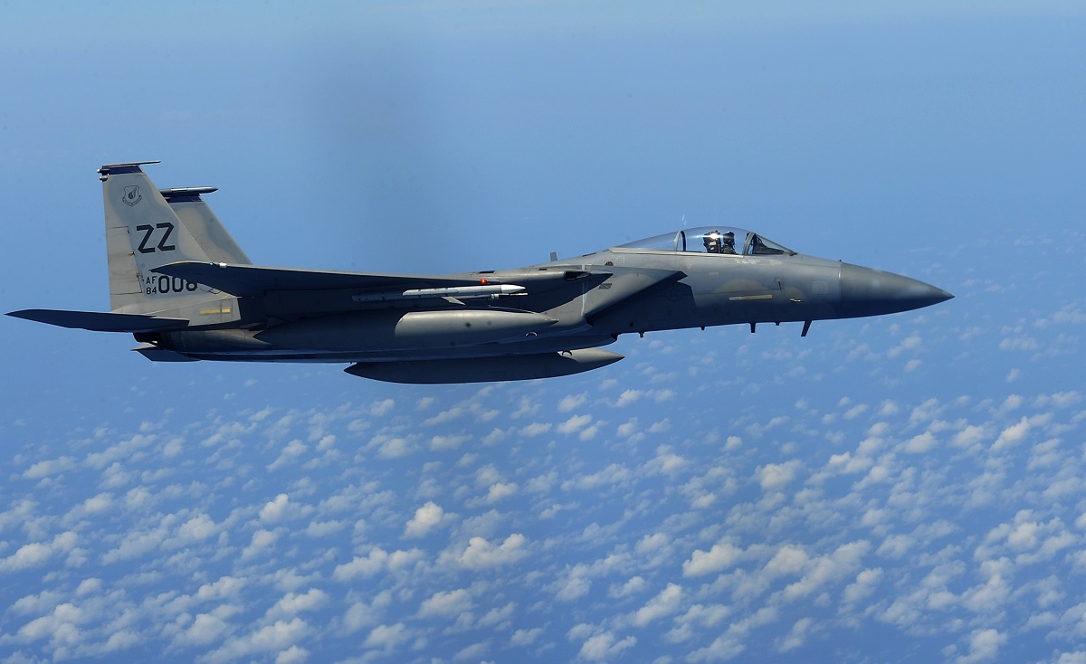 Kadena F-15 that crashed last year was dogfighting with an F-22