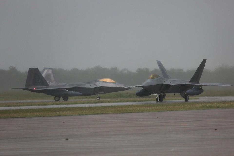 12 U.S. AIR FORCE F 22 RAPTORS DEPLOY TO AUSTRALIA FOR THE