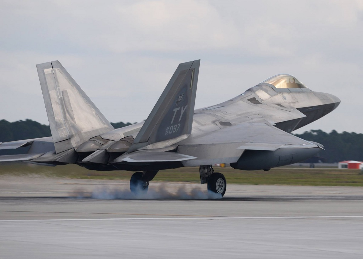 This F-22 Made A Hook-Down Emergency Landing Last Year