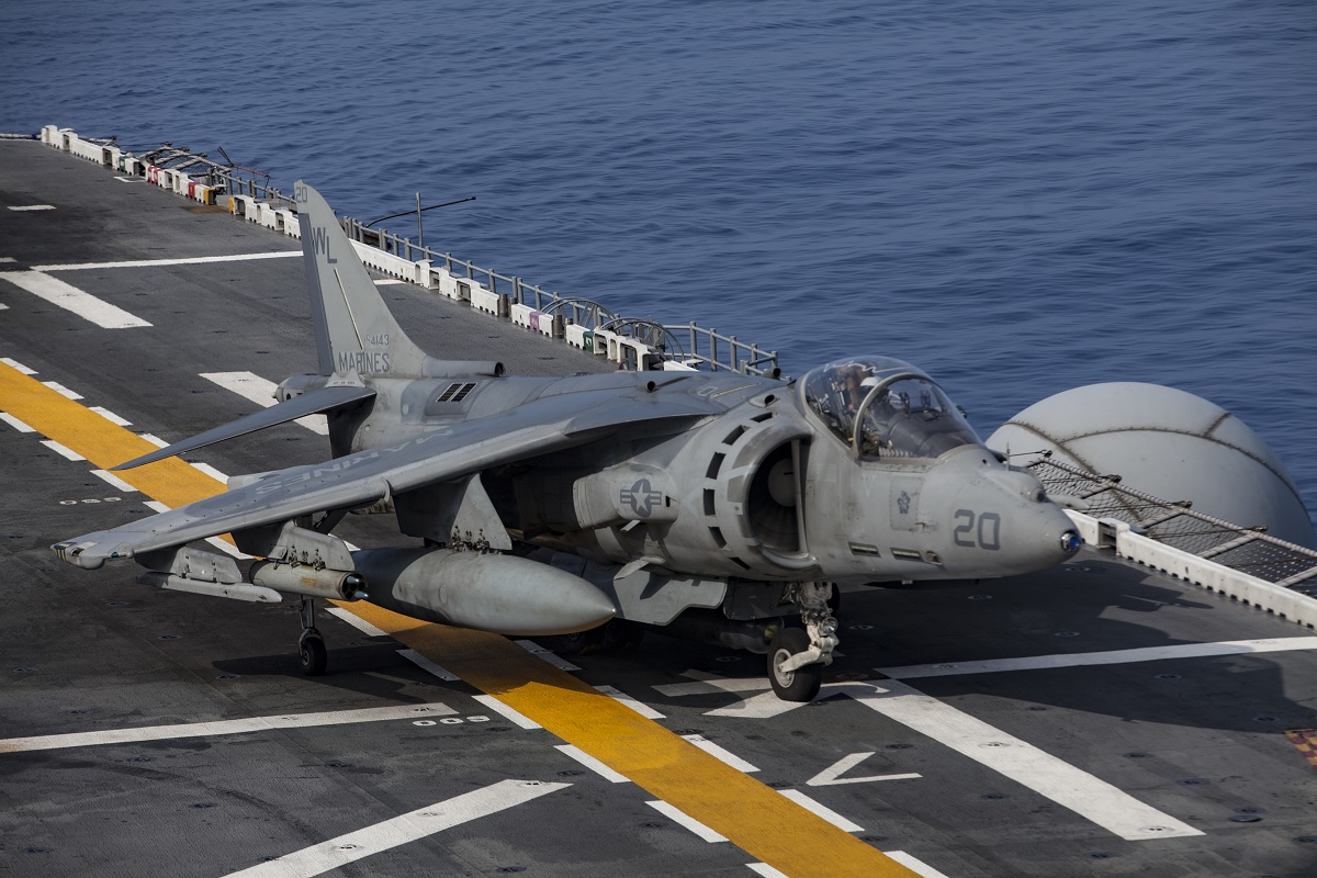 Harrier Jump Jets depart from USS Bonhomme Richard for last time