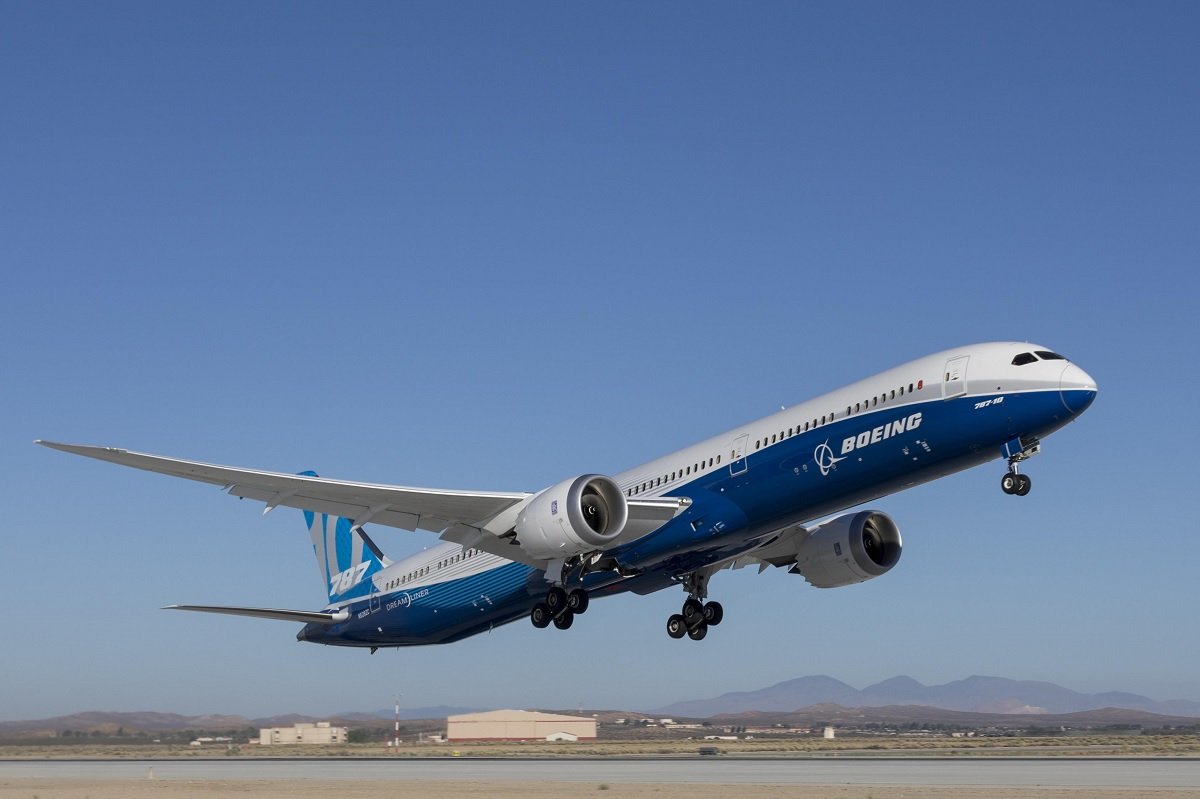 avionics boeing 787 and aircraft The newest aircraft, the 787-10, is stretched to 68m and boeing uses a 330-passenger model to give a range of 6,430nm commonality between models is a concern for many operators, and boeing has.