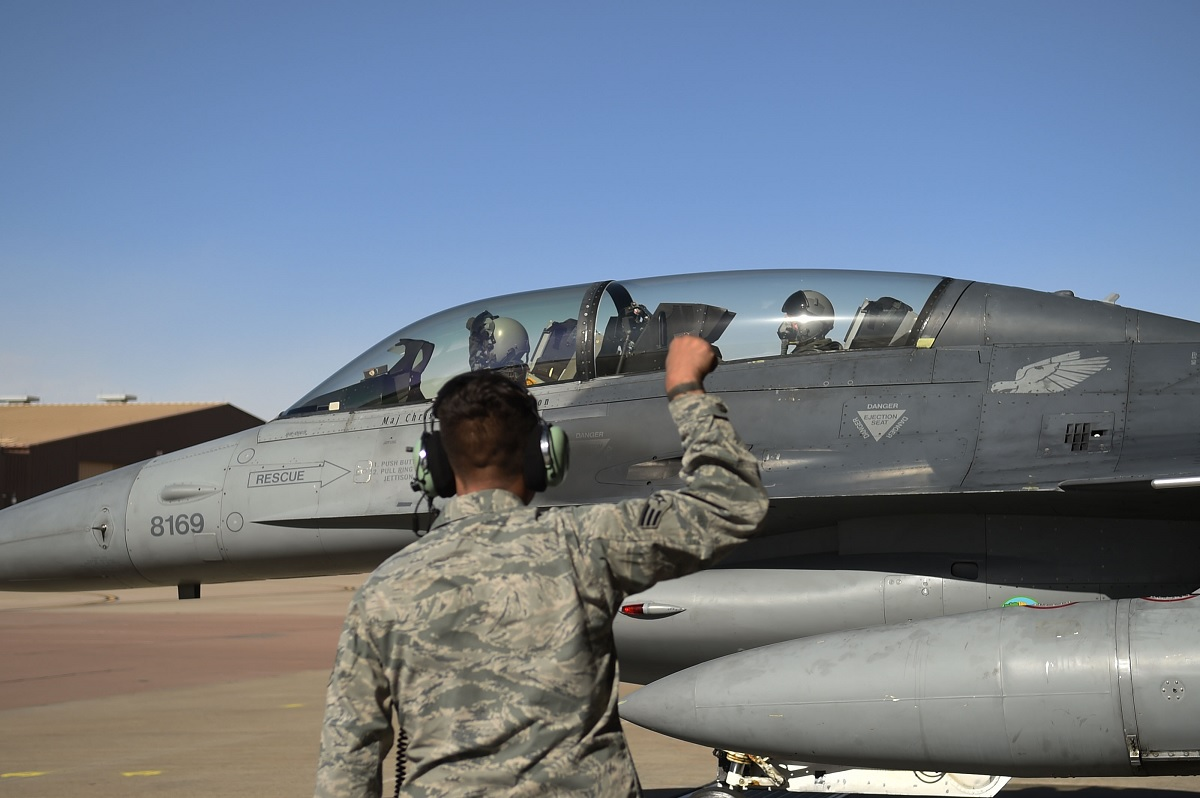 8th FS mission will be to train new F-16 pilots and requalifying former F-16 fighter pilots