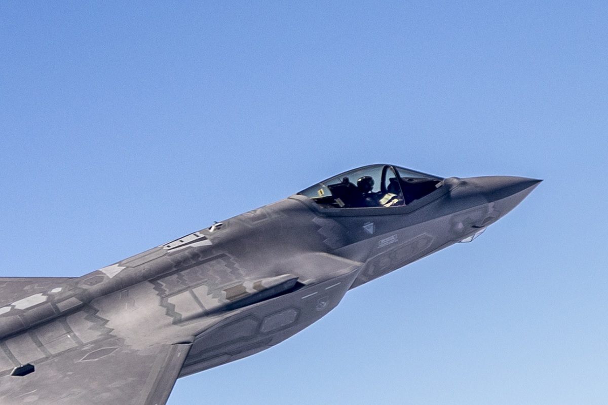 U.S. could keep a small number of non-combat-rated F-35s