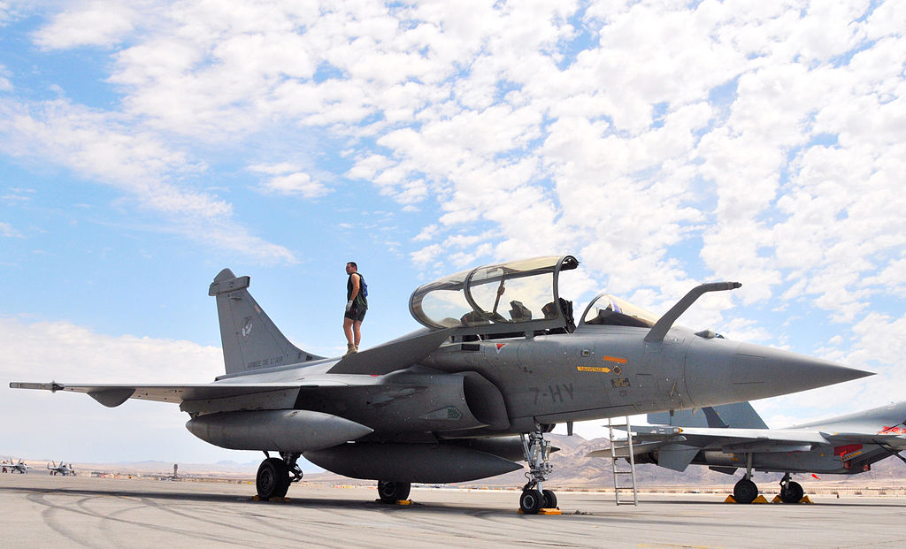 France retires Rafale from Belgian competition, proposing it as part of a military partnership