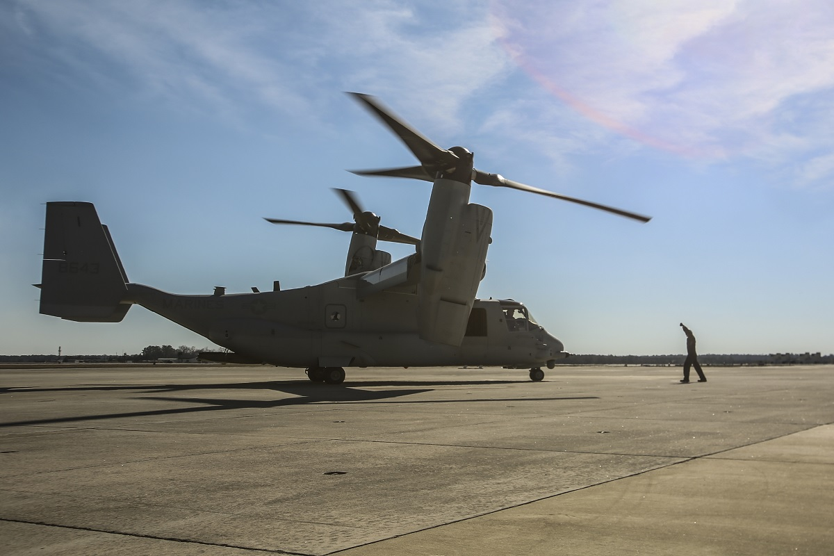 USMC MV-22B Osprey destroyed after having performed hard landing in Syria