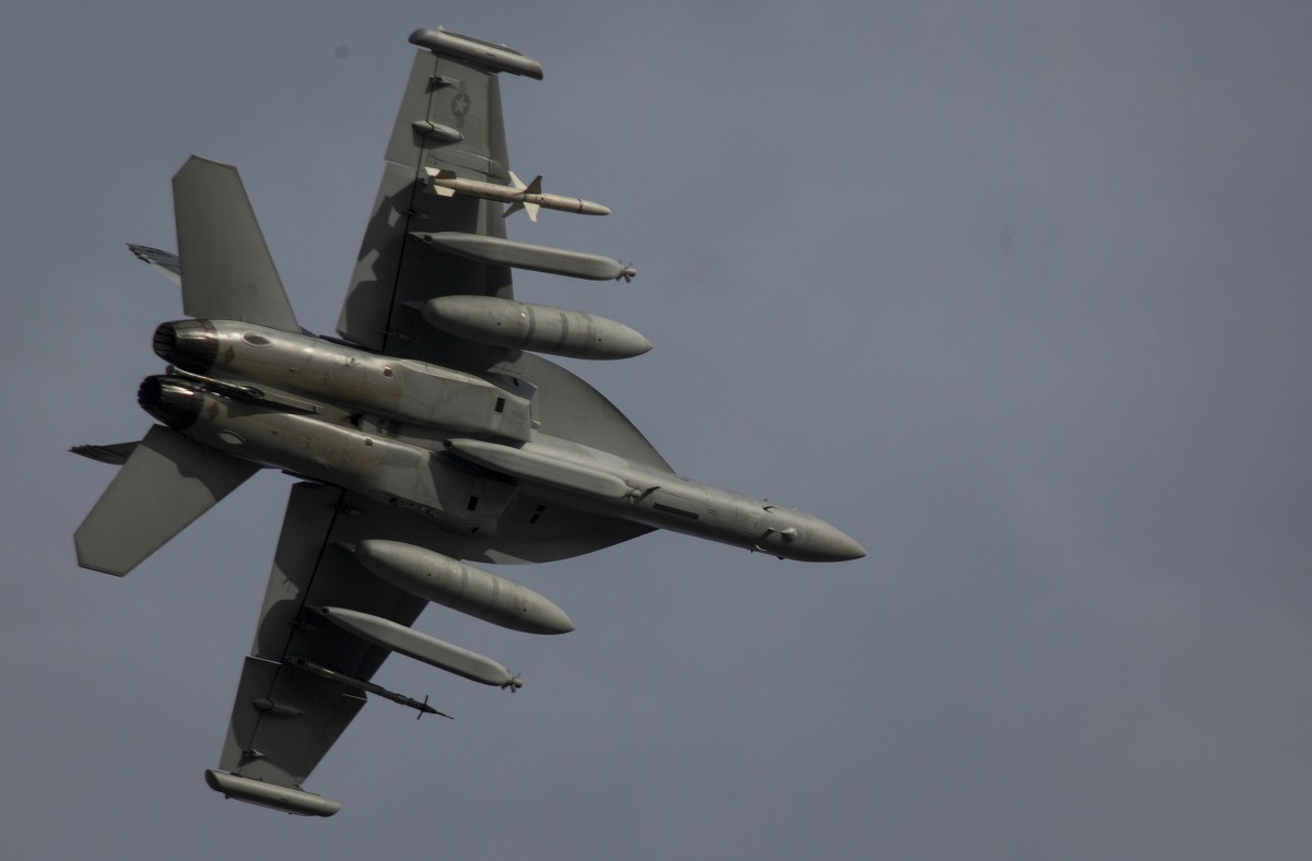 U.S. Navy EA-18G Growlers integrate with USAF F-16s and bring SEAD mission to the next level