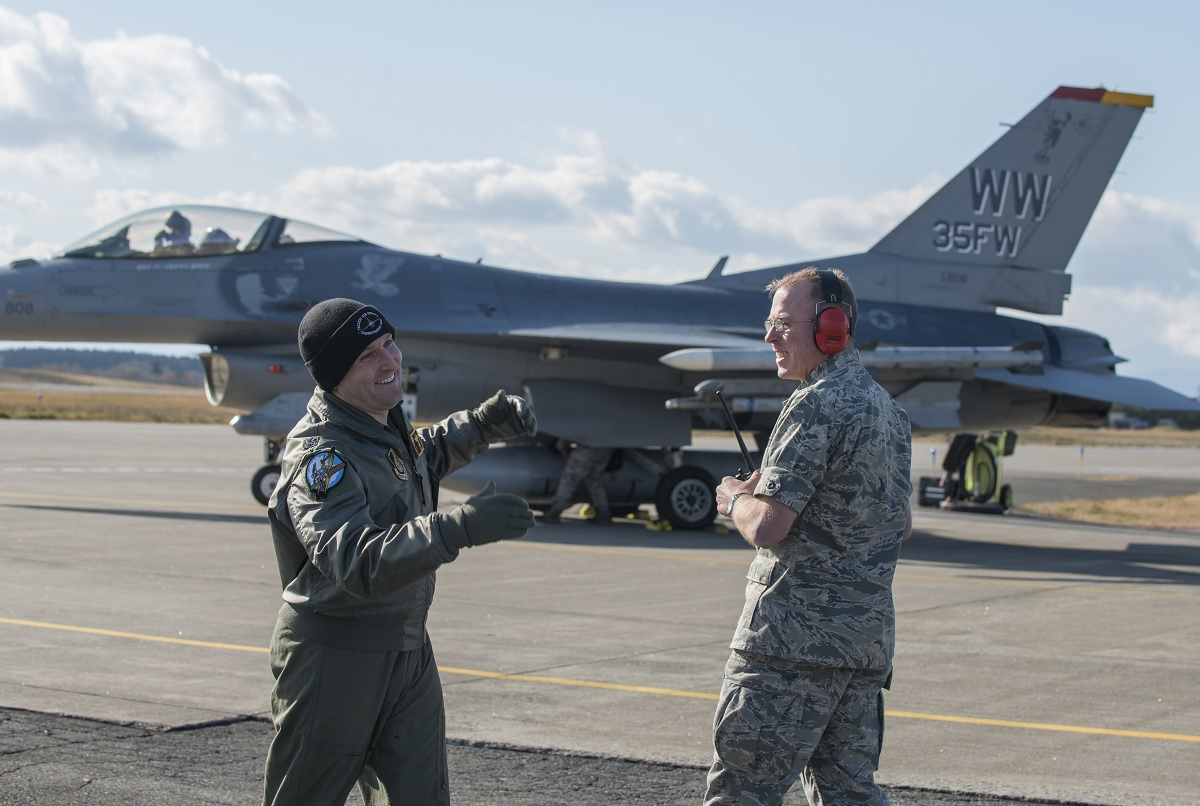 """BOB"" - a 27-year-old F-16 - clocks 9,500 hours"