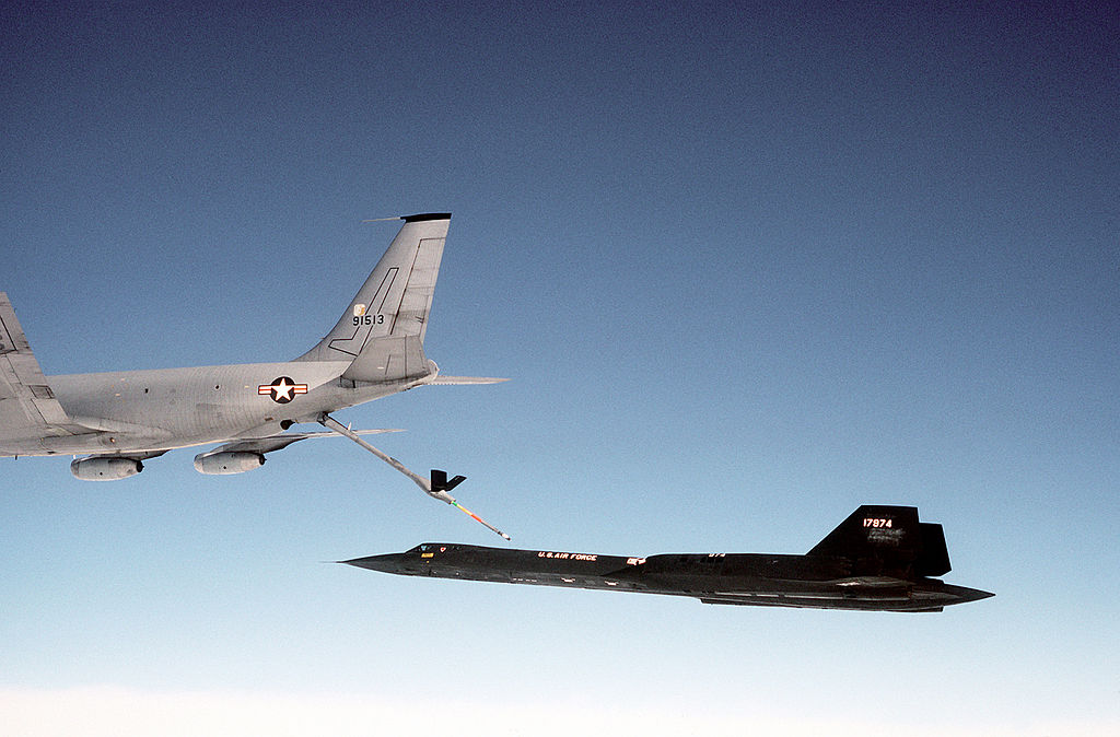 Former SR-71 Pilot Explains why the Blackbird had to Light one Afterburner during Aerial Refueling