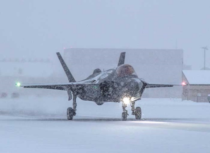 F-35A undergoes icy runway testing for Norwegian drag chute at Eielson AFB