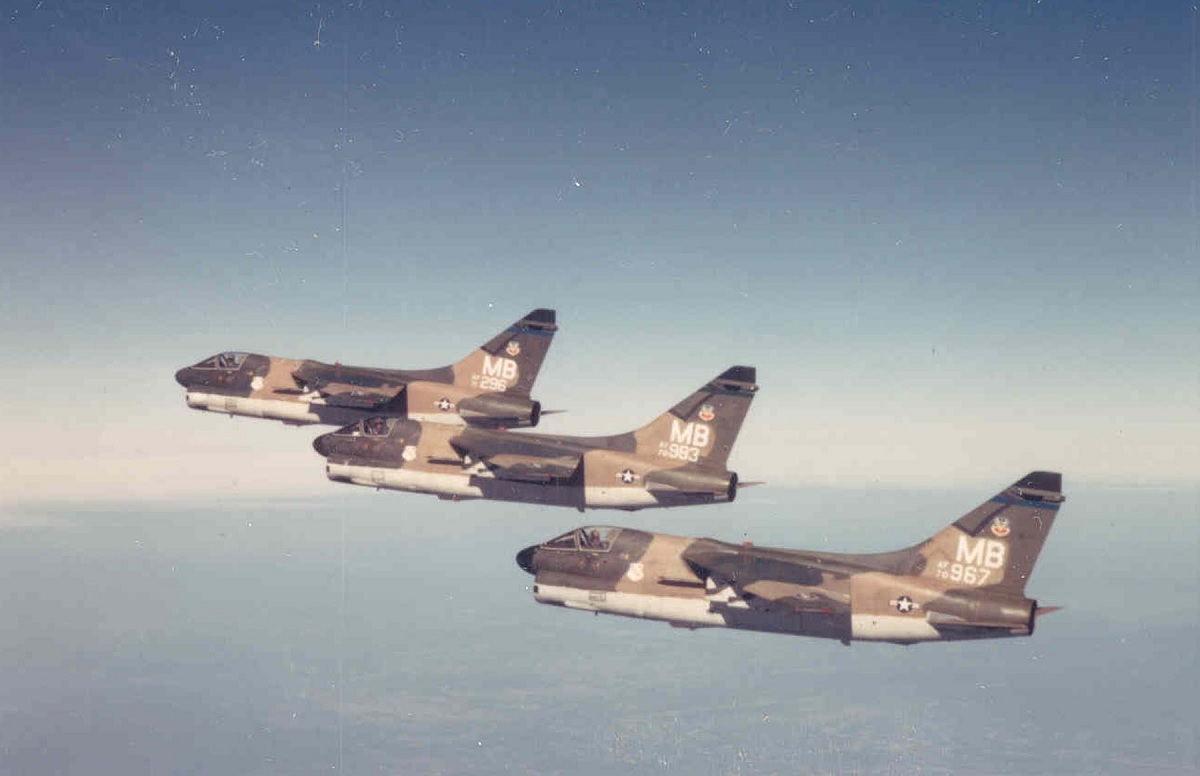 SLUF Vs Hun: former USAF pilot explains why the A-7 outclassed the F-100 in the ground attack role