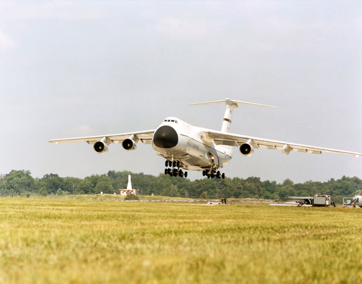 These photos prove that the massive C-5 Galaxy can fly with only three engines