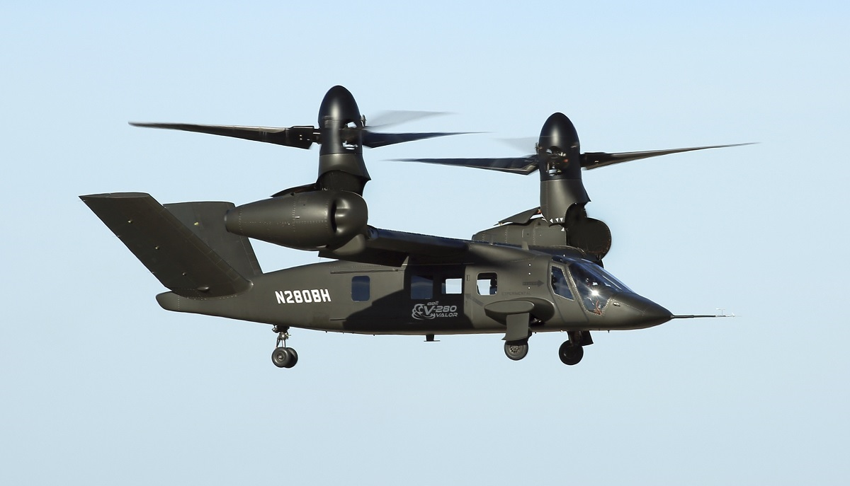 First U.S. Army pilot flies V-280 Valor