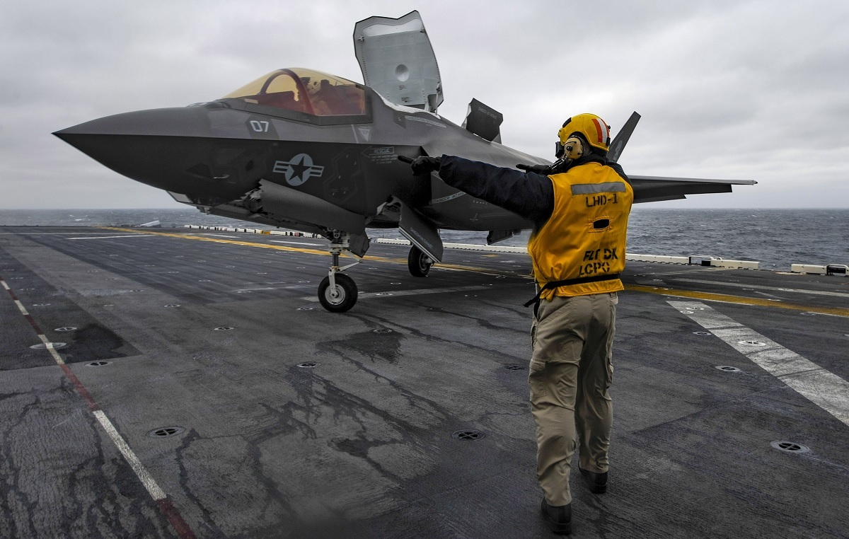 Video shows F-35B landing on USS Wasp for JSF's first at sea operational deployment