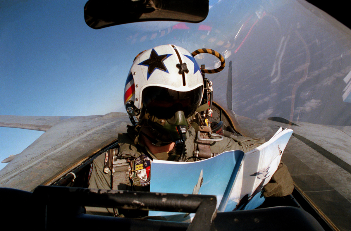 F-14 Cockpit Selfie – The Untold Story
