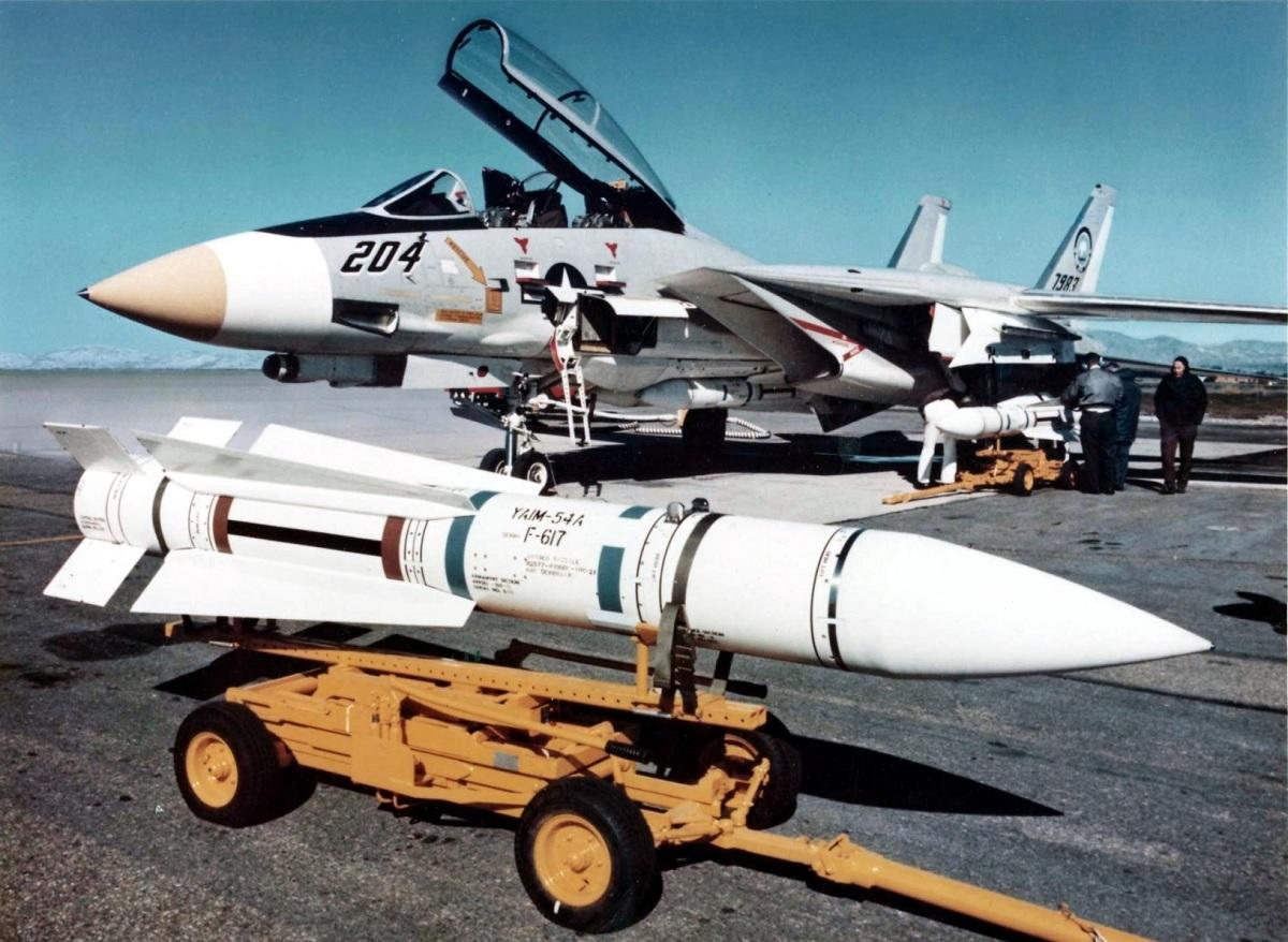 Míssil ar-ar AIM-54A Phoenix do F-14 Tomcat