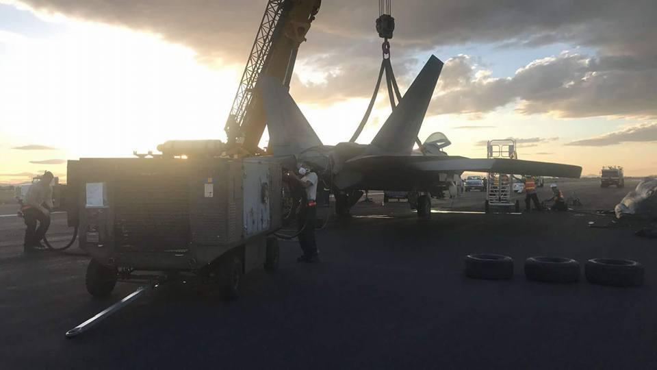 Elmendorf F-22A Raptor crash lands at NAS Fallon after left engine flameout