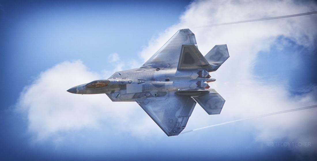 Elmendorf F-22A Raptor crash lands at NAS Fallon after alleged left engine flameout